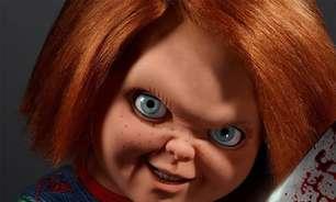 Chucky disseca um sapo em cena inédita da série do Brinquedo Assassino