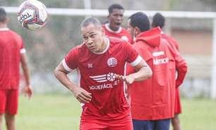 Caio Dantas celebra primeiro gol com a camisa do Náutico
