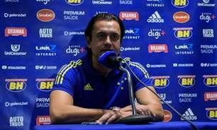 Presidente do Cruzeiro volta a BH e diz que irá se pronunciar sobre greve nesta sexta-feira