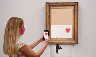 Quadro parcialmente destruído de Banksy é leiloado em Londres