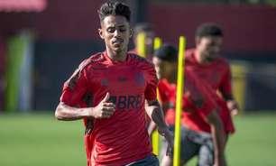 Gabriel Barros, do Flamengo, alerta para clássico no Brasileiro Sub-20: 'Mata-mata é outro campeonato'