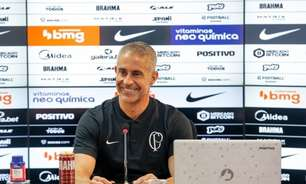 Sylvinho fala do substituto de Fagner no Corinthians e projeta clássico: 'É indiferente a situação do adversário'