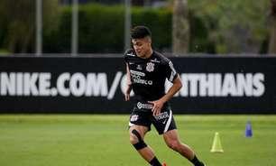 Renato Augusto e Giuliano são poupados de treino para clássico; em recuperação, Roni trabalha com bola