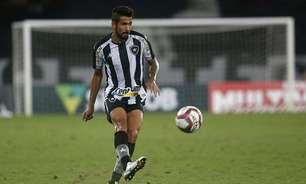 Jonathan Lemos volta com atuações sólidas e coloca dúvida em Enderson na lateral-direita do Botafogo