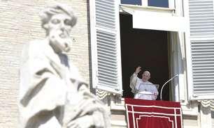 Após ataques terroristas, Papa pede fim da violência