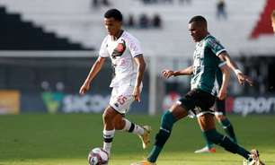 Riquelme agradece apoio de Diniz e celebra boa fase como titular do Vasco: 'É uma honra e um sonho'