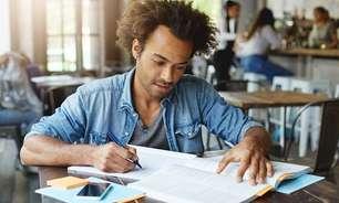 51,2% dos adultos brasileiros não concluíram o ensino básico