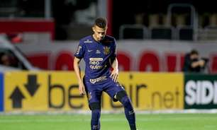 João Victor leva o terceiro amarelo e desfalca o Corinthians contra o Inter