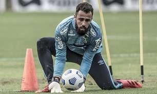 Jandrei comemora partida segura e boa impressão em estreia no Santos