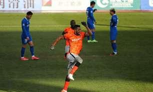 No retorno do futebol chinês, Alan Kardec marca e Shenzhen avança às quartas de final da Copa da China