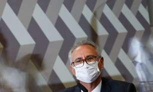 Bolsonaro terá 3 indiciamentos por crime contra humanidade, diz Renan