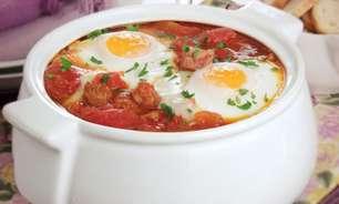 Sopa de tomate com ovos: diferente e saborosa