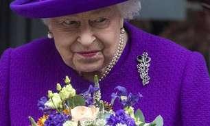 Rainha Elizabeth II é orientada a descansar e cancela viagem
