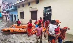 Fortes chuvas no Nepal e na Índia deixam mais de 100 mortos