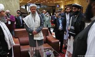 Rússia recebe Talibã e pede ajuda internacional ao Afeganistão