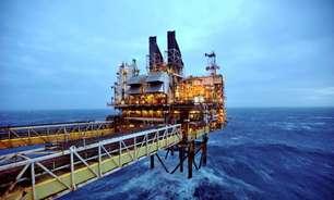 Preços do petróleo despencam com pressão de previsão de inverno ameno nos EUA