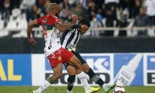 Autor do terceiro gol do Botafogo, Marco Antônio enaltece torcida: 'Incentivou do começo ao fim'