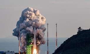 """Presidente da Coreia do Sul promete """"era espacial"""" após fracasso de foguete"""