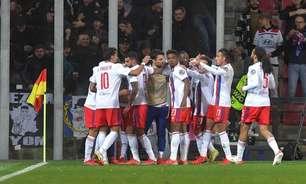 Lucas Paquetá sai do banco e muda a partida, marca o gol da virada, e Lyon vence o Sparta Praga na Liga Europa