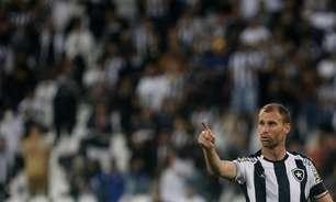 Carli vive maior série de jogos pelo Botafogo na Série B; aproveitamento é de 83% com o argentino em campo