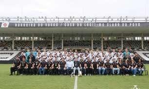 Em São Januário, Meninos do Vasco posam para foto oficial do título da Copa Brasileirinho Sub-14