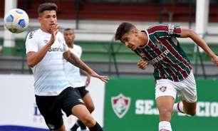 João Neto sofre fratura no tornozelo e passará por cirurgia no Fluminense