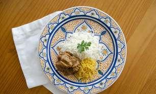 Pratos saborosos usando chá para preparar no jantar