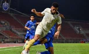 Em alta na Tailândia, Samuel marca, dá assistência e garante vitória e liderança do Buriram na Liga