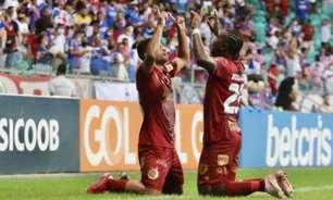 Bahia vence a Chapecoense e empurra o Santos para o Z4 do Brasileirão