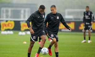 Cinco jogadores da equipe sub-20 do Corinthians reforçam primeiro treino comandado por Sylvinho na semana
