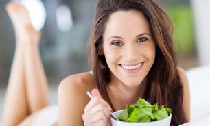 Queda de cabelo: saiba como a alimentação interfere nos fios