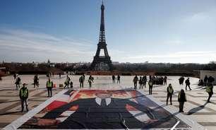 Ativistas intervêm em cúpula financeira em Paris antes da COP26