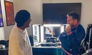 Ronaldinho e Messi se reencontram em gravação no PSG: 'Colocando a resenha em dia'