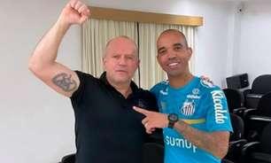Ex-capitão do Bope dá palestra no Santos antes da partida contra o Fluminense