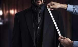 """Keanu Reeves presenteia dublês de """"John Wick 4"""" com relógios de US$ 10 mil"""