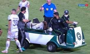 Chay, do Botafogo, tranquiliza após pancada no tornozelo e sair de jogo chorando: 'Foi mais o susto'