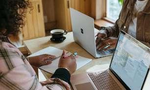 Funcionários preferem o trabalho híbrido, aponta estudo