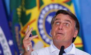 Bolsonaro nega acusação de fake news durante eleições