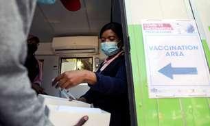 Só 5 países da África terão vacinado 40% da população até fim do ano, diz OMS