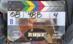 """Assistente de """"Rust"""" admite não ter checado arma que matou diretora de fotografia"""