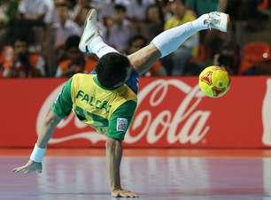 Com futuro incerto, Falcão mira aposentadoria da Seleção em 2013