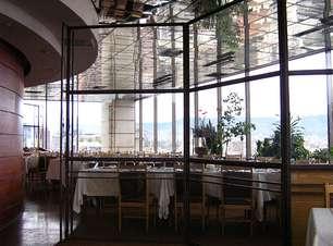 Restaurante gira 360° e tem vista panorâmica dos Andes