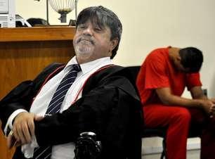 Advogado de Bruno diz que pretende mudar goleiro de penitenciária