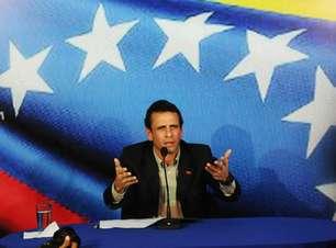 Capriles se desculpa com família de Chávez e pede debate com Maduro