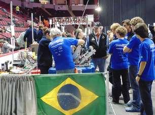 Estudantes brasileiros disputam competição de robótica nos EUA
