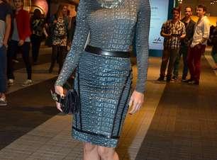 """Carol Castro se prepara para Hollywood: """"não adianta ser meia-bomba"""""""