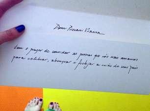 Luana Piovani mostra convite de casamento com Pedro Scooby