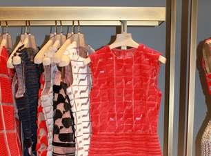 Plástico e couro se destacam na nova coleção da Fendi