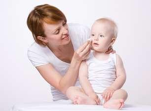 Pele do bebê precisa ser hidratada uma vez por dia; entenda