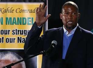 """Em despedida, neto de Mandela diz: """"o futuro deste país é brilhante"""""""